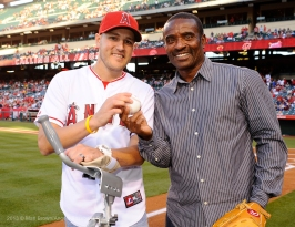 Officer Alex Collins and former Angels player, Tony Phillips. Photo by Matt Brown/Angels Baseball LP